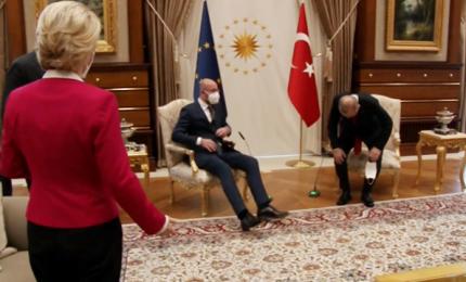 """Ue-Turchia, von der Leyen """"sorpresa"""" da sgarbo di Erdogan"""
