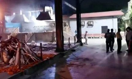 Covid, contagi record in India. I forni crematori lavorano h24
