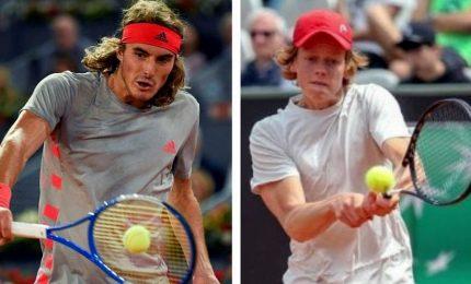Tennis, Sinner in semifinale contro Tsitsipas