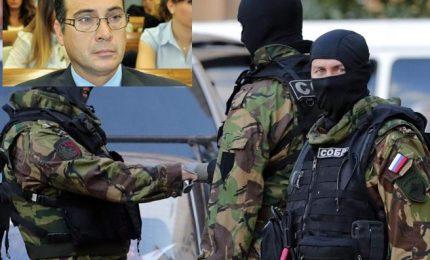 """Spionaggio, resta in carcere capitano Biot. La moglie: """"Non voleva fottere il paese"""""""