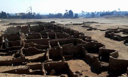 """Egitto, scoperta la """"città d'oro perduta"""" risalente a 3.000 fa"""