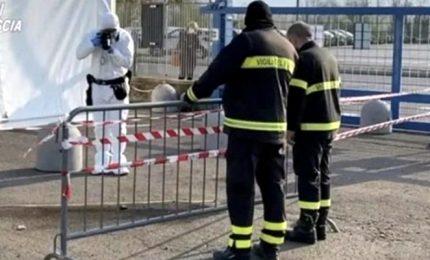 Covid-19, molotov contro un centro vaccinale a Brescia
