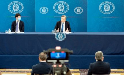 """Draghi, svolta sulle riaperture dal 26 aprile. """"Ma osservare le norme scrupolosamente"""""""