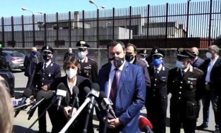 """Open Arms, Salvini rinviato a giudizio. """"Vado a processo a testa alta"""""""