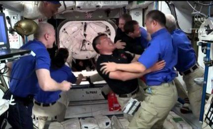 Benvenuti sulla Iss: gli astronauti di Crew Dragon sono a bordo