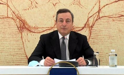 Draghi bacchetta l'Ue: mercato lavoro ingiusto, colpiti giovani e donne