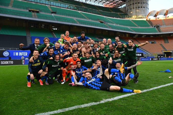 L'Inter festeggia lo scudetto travolgendo la Sampdoria 5-1