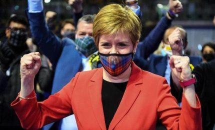 L'appello della premier scozzese: Brexit ci ha rovinato, vogliamo l'indipendenza