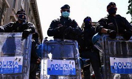 Presidio no-ddl Zan a Milano, polizia blocca alcuni contestatori