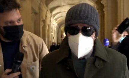 Gli ex terroristi arrestati a Parigi si presentano in tribunale