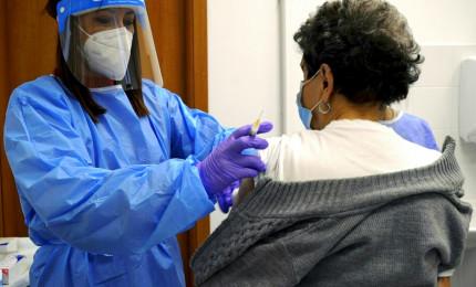 "Coronavirus, Gimbe: ""Preoccupano di più nuove varianti"""