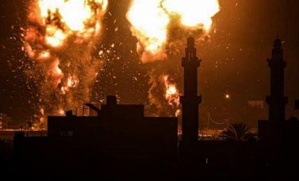Torna a salire la tensione, raid israeliano su Gaza dopo il lancio di palloni incendiari