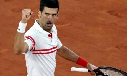 Roland Garros: Djokovic trionfa, Tsitsipas sconfitto da campione