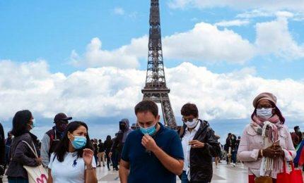 La Francia toglie l'obbligo della mascherina all'aperto