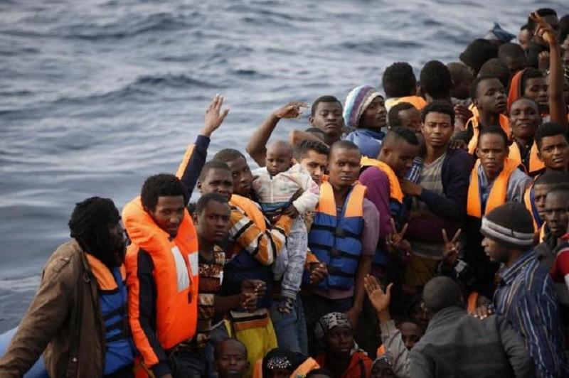 I migranti nell'agenda dell'Europa, passi avanti su Agenzia Asilo