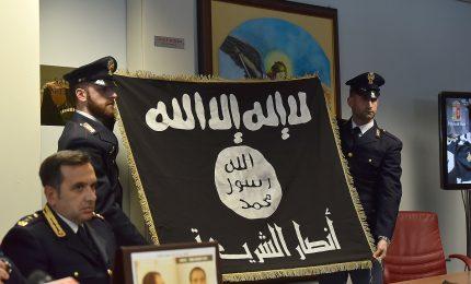 Documenti falsi ai foreign fighter: 7 arresti della polizia