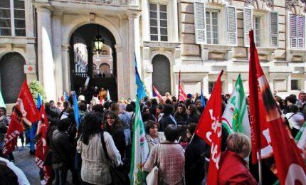 Alta tensione su licenziamenti, sindacati: prorogare blocco o nuova mobilitazione