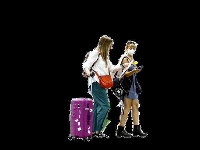 Covid, vacanze all`estero sì o no? Chi rischia di più
