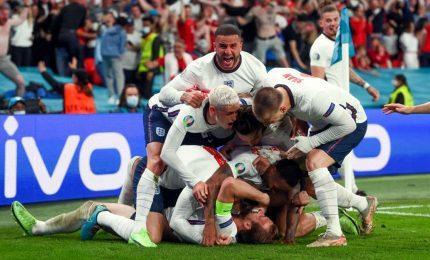 Inghilterra-Danimarca 2-1, è finale contro l'Italia