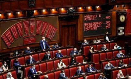 Riforma della giustizia, governo pone la fiducia alla Camera. M5s diviso