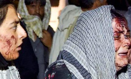 Esplosioni all'aeroporto di Kabul, oltre 60 persone uccise tra cui 13 marines