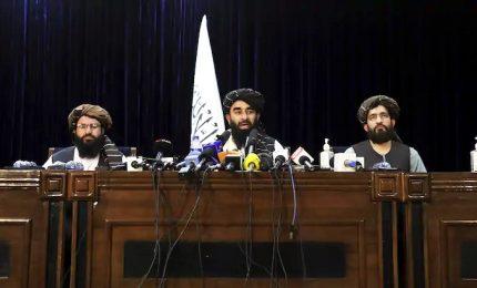 """L'Afghanistan nelle mani dei talebani: """"Niente vendette, pronta amnistia"""""""