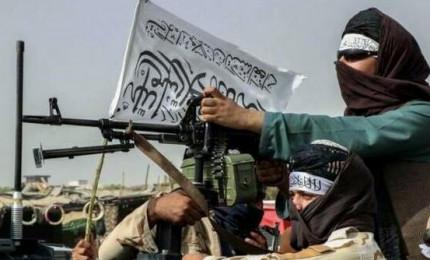 Afghanistan, irruzioni nelle case e omicidi. Capo della polizia giustiziato dai talebani