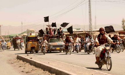 """Afghanistan, i talebani sono entrati a Kabul: nessuna intenzione di usare la """"forza"""""""