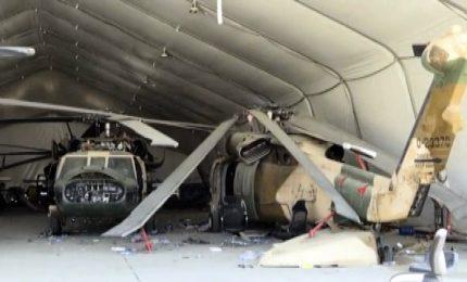 Dentro l'aeroporto di Kabul abbandonato dai soldati americani