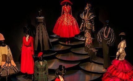 A New York la mostra su Christian Dior, eleganza da oltre 70 anni