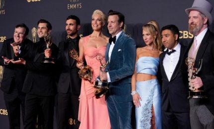 Emmy Awards, trionfo per The Crown con 11 premi e Ted Lasso