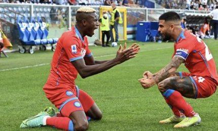 Il Napoli strapazza la Sampdoria e si riprende la testa