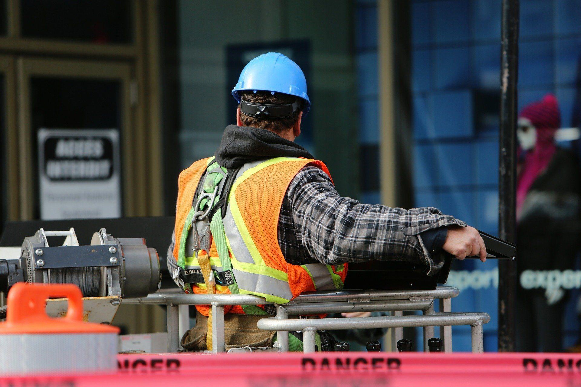 Tre incidenti sul lavoro in Lombardia: gravi tre lavoratori