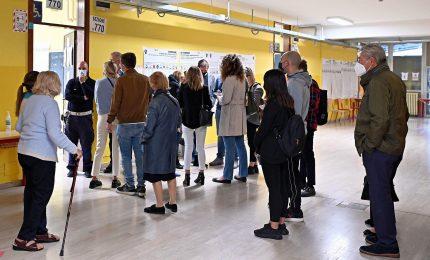 L'Italia torna alle urne, 12 milioni al voto per Sindaci e Governatore Calabria