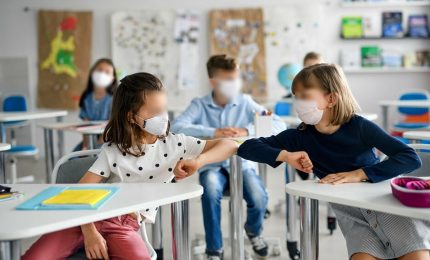 Covid, curva pandemica sotto controllo. Accertato focolaio in scuola nel Foggiano